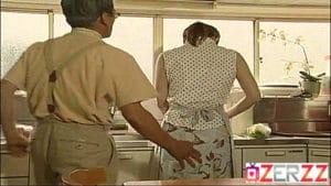Japon kadının vücudu adamın arzularını kamçılamakta