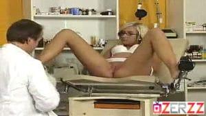 Leziz hemşireye boşboş odada sahip olacak